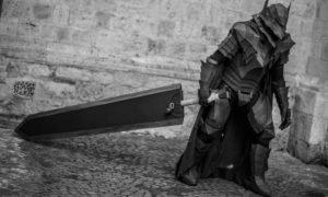 Armatura con spada di berserk