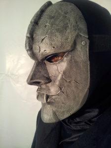 Maschera di Pietra (jojo) in resina con quadro